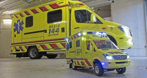 Ein ganz grosser, kleiner Rettungswagen