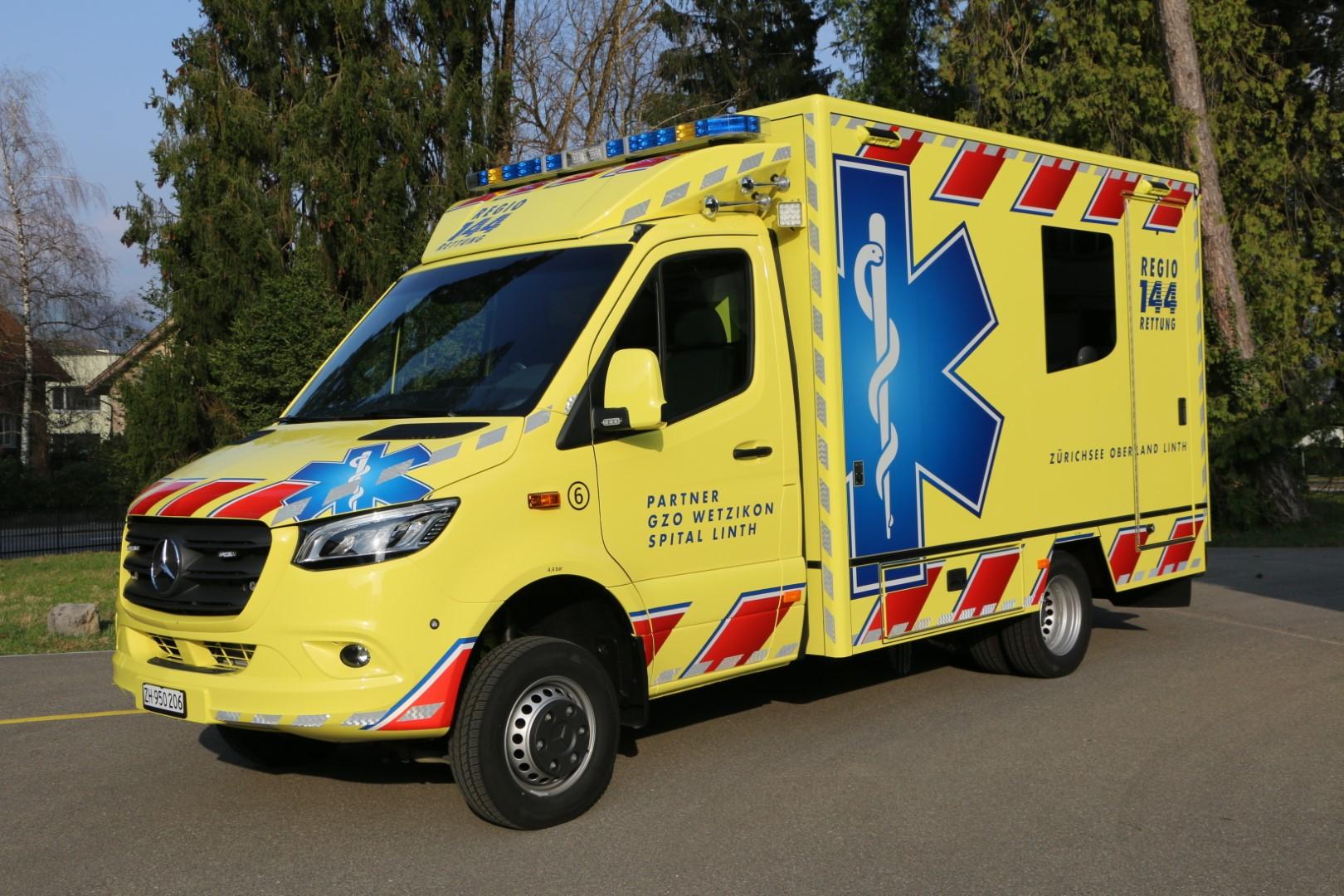 Erster Rettungswagen einer neuen Generation unterwegs